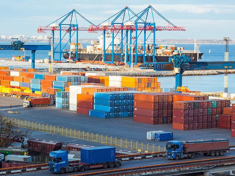 Transport kontenerowy – kontener 40' RF