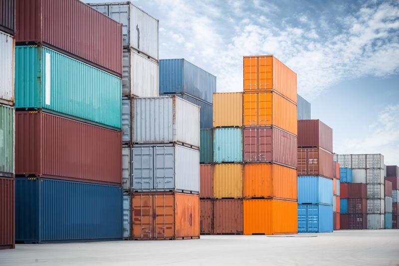 rodzaje kontenerów w transporcie morskim