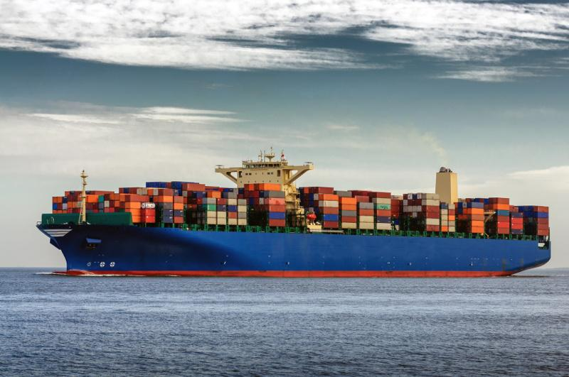 kontenerów drogą morską