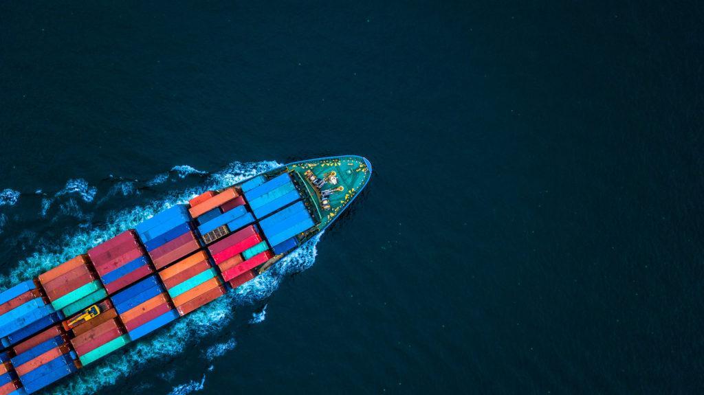 usługi z zakresu frachtu morskiego