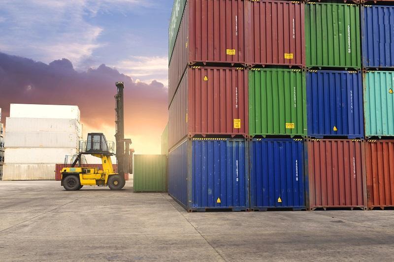 transport współczesnych kontenerów